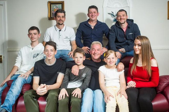 """Mẹ qua đời để lại 15 điều """"khắc cốt ghi tâm, giúp bố một mình nuôi dạy thành công 8 đứa con - Ảnh 1."""