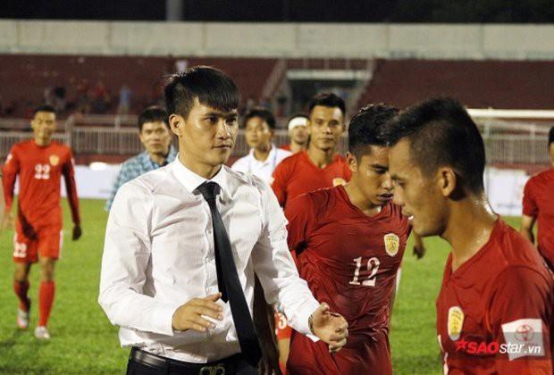 Công Vinh: Tấm gương sáng trong mảng tối bóng đá Việt Nam - Ảnh 1.