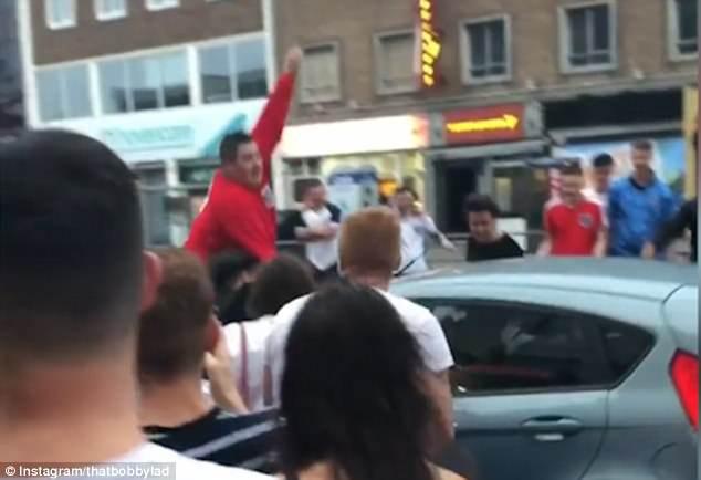 """Màn ăn mừng """"dở khóc dở cười"""" tại World Cup 2"""