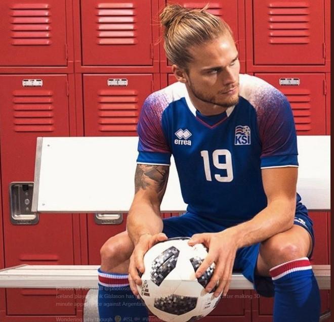 Chàng cầu thủ Iceland bỗng dưng nổi tiếng, có thêm 600.000 follower chỉ sau 30 phút đối đầu với Messi - Ảnh 5.
