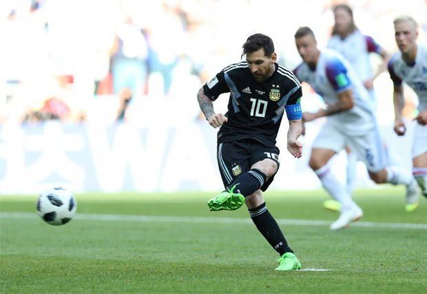 """""""Messi đau khổ và khóc nhiều vì giấc mơ vô địch Word Cup"""" 1"""