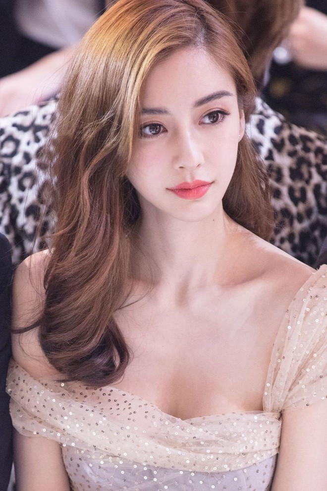 4 bà mẹ nổi tiếng của làng giải trí Hoa Ngữ: Xinh đẹp là thế nhưng cũng nhiều lần nhan sắc khác lạ đến không nhận ra - ảnh 25