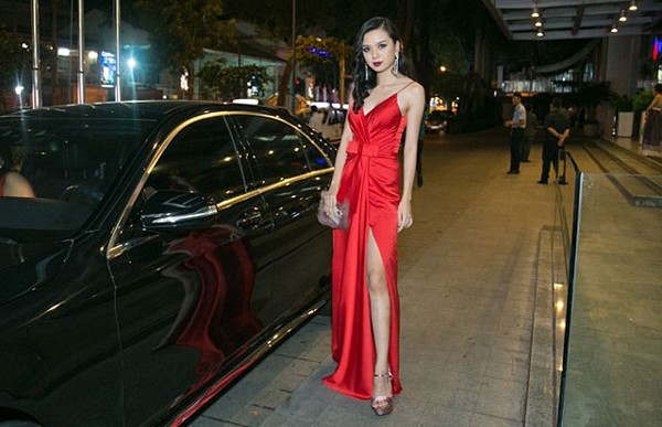 """Cô em gái gợi cảm, là ứng viên Hoa hậu Việt Nam của """"Nữ hoàng sắc đẹp"""" Vũ Hoàng Điệp - Ảnh 10."""