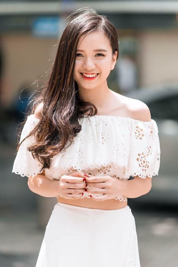 """Cô em gái gợi cảm, là ứng viên Hoa hậu Việt Nam của """"Nữ hoàng sắc đẹp"""" Vũ Hoàng Điệp - Ảnh 4."""