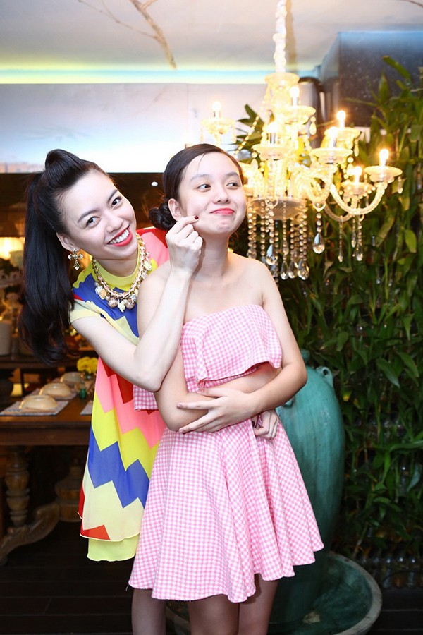 """Cô em gái gợi cảm, là ứng viên Hoa hậu Việt Nam của """"Nữ hoàng sắc đẹp"""" Vũ Hoàng Điệp - Ảnh 3."""