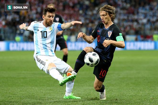 Maradona: 'Muốn Messi làm phù thủy, phải ném cho cậu áo choàng và cây chổi đã chứ!' 1