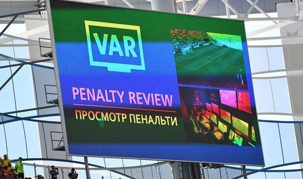 """Vấn đề của World Cup 2018: VAR """"lung tung"""" - Ảnh 2."""