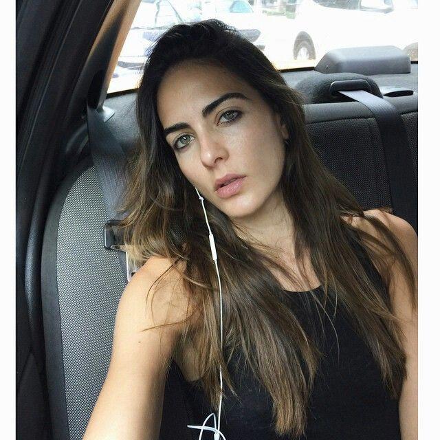 Cổ động viên đẹp nhất World Cup 2018 khiến dân mạng 'điên đảo': Ngoài đời vô cùng bốc lửa! 16