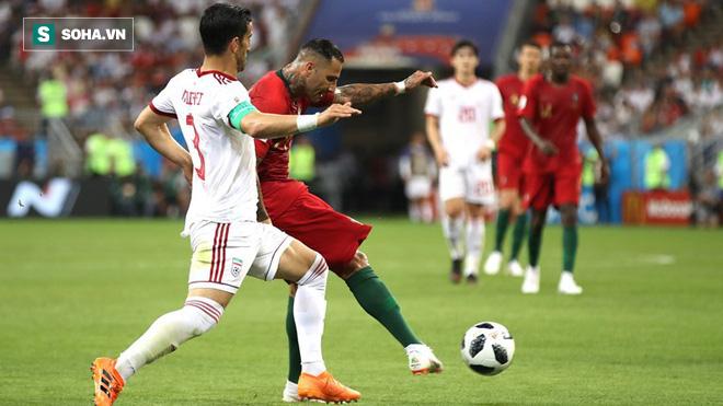 Ronaldo đá hỏng penalty, Bồ Đào Nha tim đập chân run bước vào vòng 1/8 - Ảnh 1.
