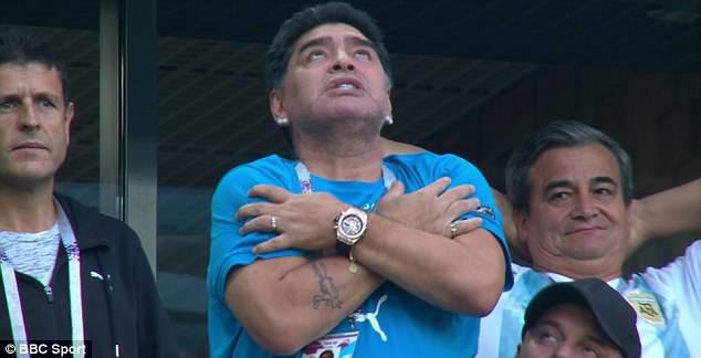 Nóng: Maradona nhập viện khẩn cấp ngay sau chiến thắng kịch tính của Argentina - Ảnh 11.