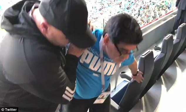 Nóng: Maradona nhập viện khẩn cấp ngay sau chiến thắng kịch tính của Argentina - Ảnh 3.