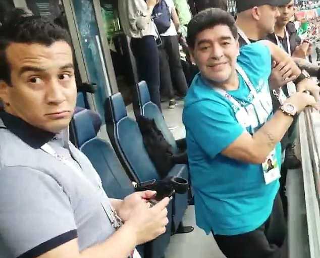 Nóng: Maradona nhập viện khẩn cấp ngay sau chiến thắng kịch tính của Argentina - Ảnh 7.