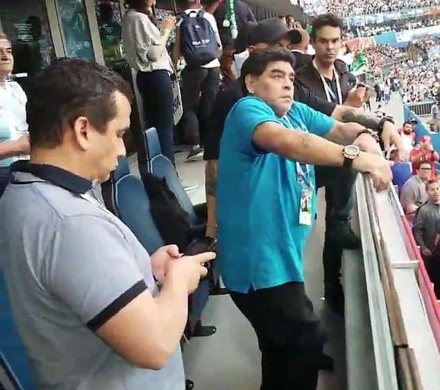 Nóng: Maradona nhập viện khẩn cấp ngay sau chiến thắng kịch tính của Argentina - Ảnh 6.