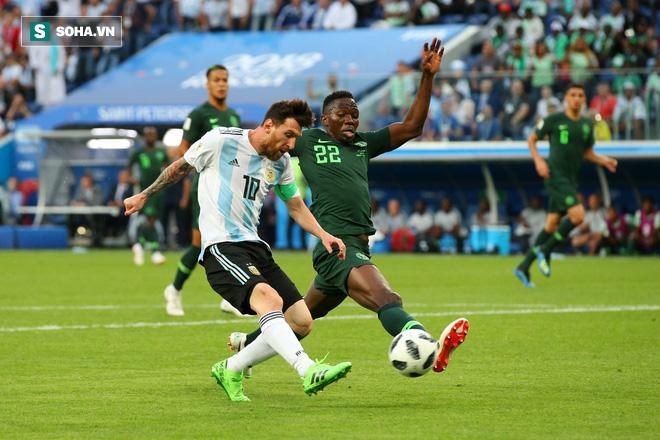 Không phải bàn thắng, đây mới là hình ảnh 'điên rồ' nhất của Messi trước Nigeria 1