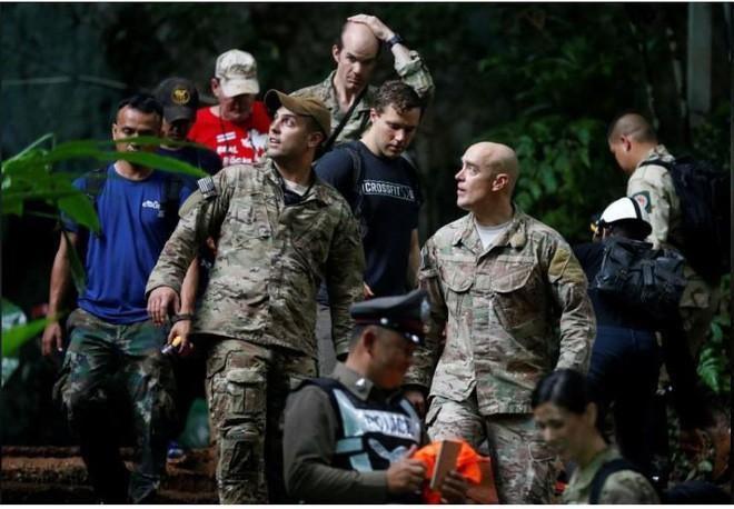 Thái Lan: 12 cậu bé cùng một người lớn mất tích trong hang động, nhà chức trách mở cuộc tìm kiếm quy mô cực lớn - Ảnh 2.
