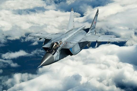 Chiêm ngưỡng 10 máy bay nhanh nhất của Không quân-Vũ trụ Nga - Ảnh 1.