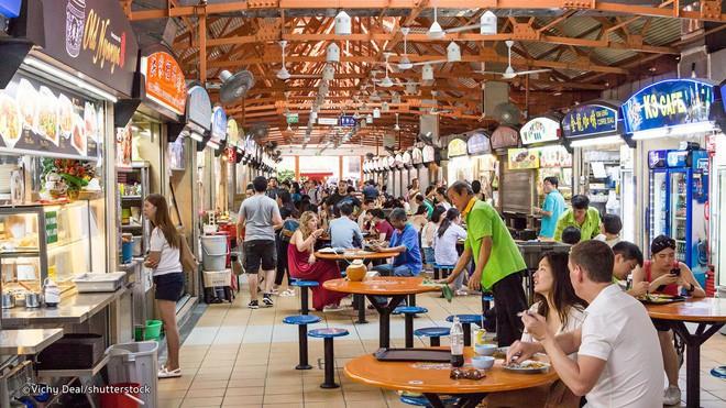 Singapore đắt đỏ có tiếng, nhưng ăn uống ở nơi này thì đảm bảo ngon, rẻ như người bản địa - Ảnh 1.