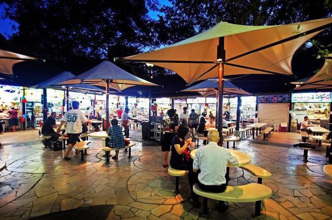 Singapore đắt đỏ có tiếng, nhưng ăn uống ở nơi này thì đảm bảo ngon, rẻ như người bản địa - Ảnh 3.