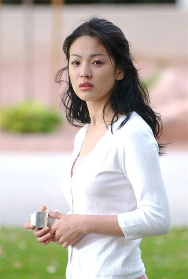 Nhìn lại nhan sắc thuở mới vào nghề mỹ nhân Hoa - Hàn: Người lung linh, kẻ bị chê sến súa, khác lạ không thể nhận ra  - Ảnh 21.