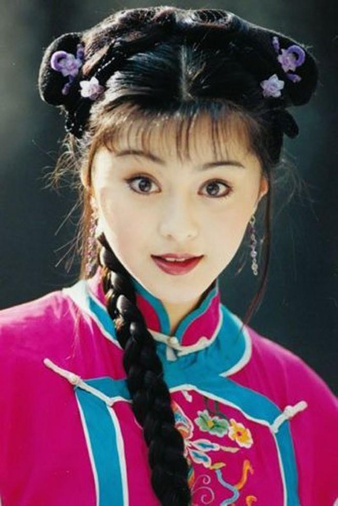 Nhìn lại nhan sắc thuở mới vào nghề mỹ nhân Hoa - Hàn: Người lung linh, kẻ bị chê sến súa, khác lạ không thể nhận ra  - Ảnh 25.
