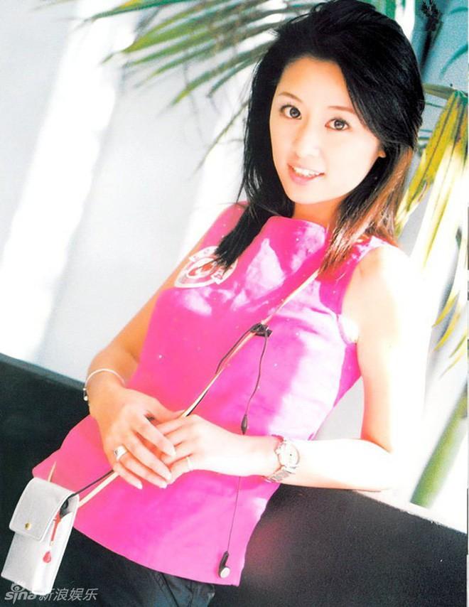 Nhìn lại nhan sắc thuở mới vào nghề mỹ nhân Hoa - Hàn: Người lung linh, kẻ bị chê sến súa, khác lạ không thể nhận ra  - Ảnh 31.