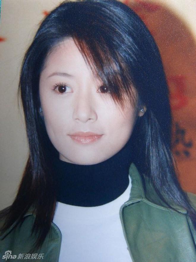 Nhìn lại nhan sắc thuở mới vào nghề mỹ nhân Hoa - Hàn: Người lung linh, kẻ bị chê sến súa, khác lạ không thể nhận ra  - Ảnh 34.