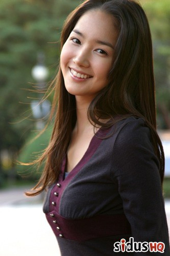 Nhìn lại nhan sắc thuở mới vào nghề mỹ nhân Hoa - Hàn: Người lung linh, kẻ bị chê sến súa, khác lạ không thể nhận ra  - Ảnh 5.