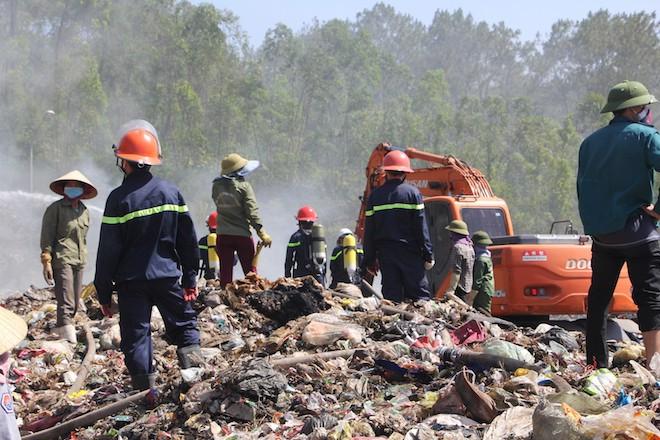 Điều gần 20 phương tiện, hàng chục người dập đám cháy xảy ra 5 ngày qua - Ảnh 2.