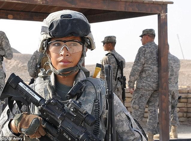 [ẢNH] Nỗi sợ hãi của một số nữ binh sĩ Mỹ không phải là kẻ thù mà là chính nam đồng nghiệp - Ảnh 16.