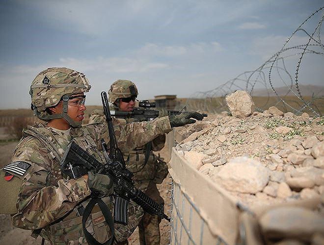 [ẢNH] Nỗi sợ hãi của một số nữ binh sĩ Mỹ không phải là kẻ thù mà là chính nam đồng nghiệp - Ảnh 27.