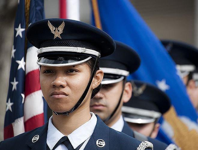 [ẢNH] Nỗi sợ hãi của một số nữ binh sĩ Mỹ không phải là kẻ thù mà là chính nam đồng nghiệp - Ảnh 30.
