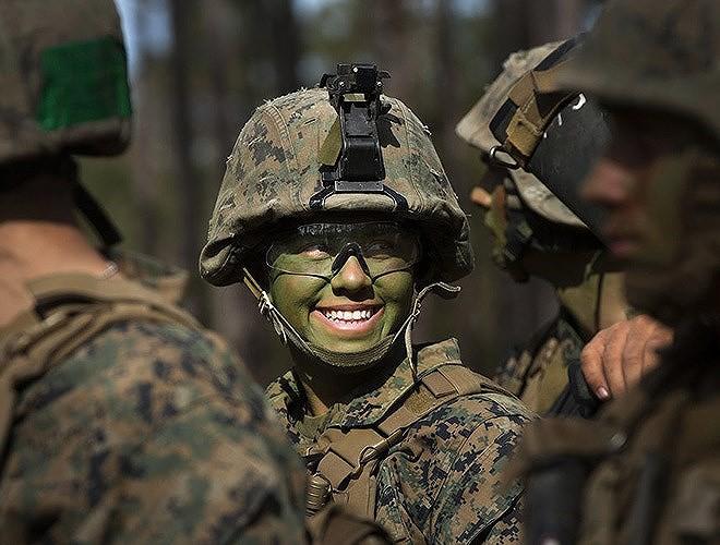 [ẢNH] Nỗi sợ hãi của một số nữ binh sĩ Mỹ không phải là kẻ thù mà là chính nam đồng nghiệp - Ảnh 34.