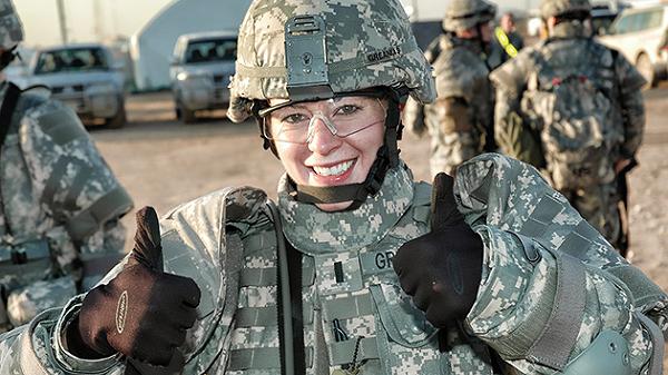 [ẢNH] Nỗi sợ hãi của một số nữ binh sĩ Mỹ không phải là kẻ thù mà là chính nam đồng nghiệp - Ảnh 35.