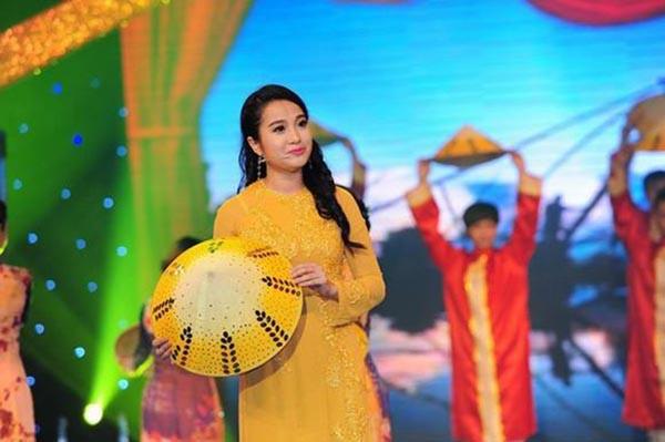 Vợ Quốc Cơ: Hoa khôi làng MC Việt Nam, từng đánh bại Trấn Thành - Ảnh 4.