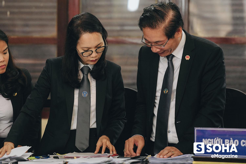 Vợ chồng luật sư bẻ chiều vụ án chạy thận: Hơn một lần rùng mình kinh hãi; bảo vệ BS Lương trở thành thứ yếu! - Ảnh 11.