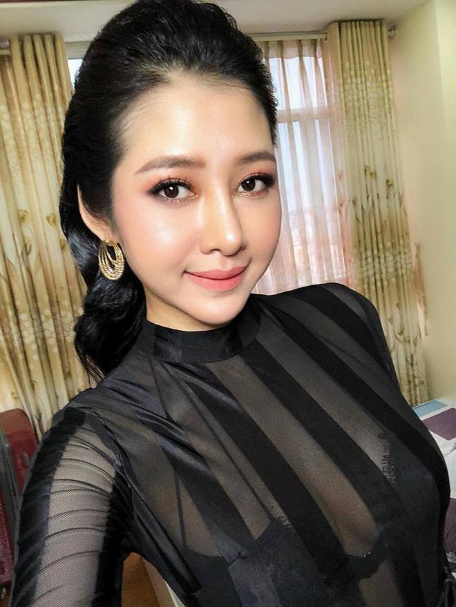 Sau khi chi 200 triệu nâng ngực, nâng mũi, sửa mặt, nhan sắc chị gái Sài Gòn tuổi 33 khiến các em 20 phải chạy dài - Ảnh 12.