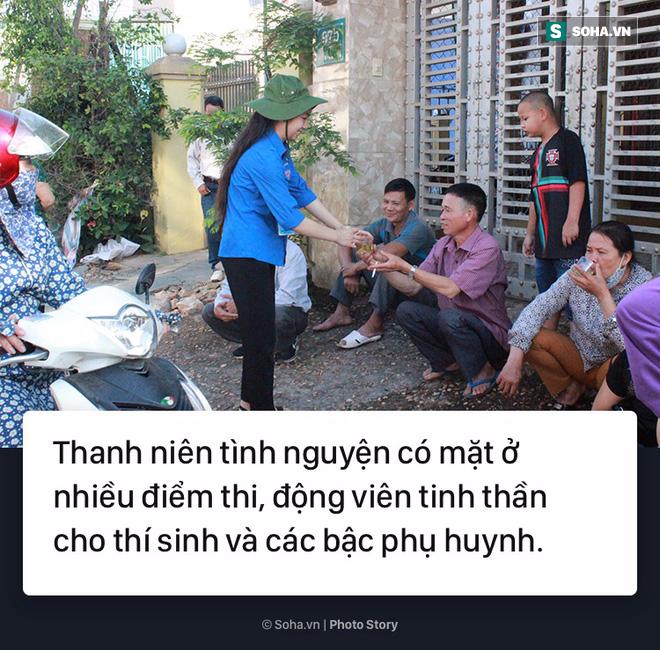 [Photo Story] Thi vào 10 - Bước ngoặt của học sinh, trận chiến của cha mẹ - Ảnh 2.
