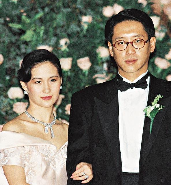Nữ tỷ phú giàu có bậc nhất Hong Kong: Bị Hoa hậu cướp chồng, về già sống cô đơn - Ảnh 8.