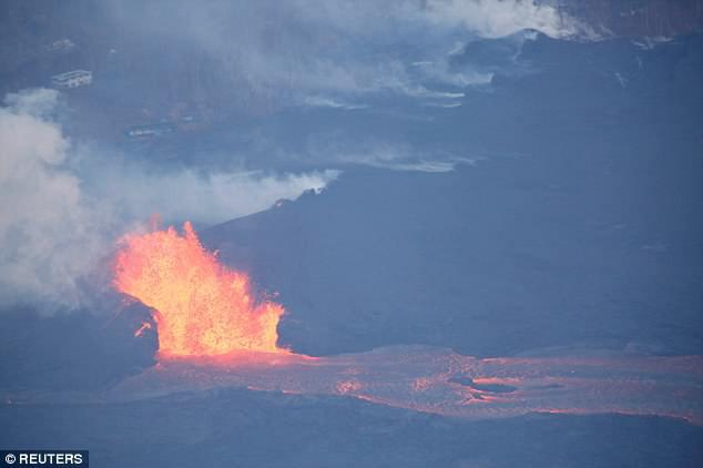 Núi lửa Kilauea đã giúp Hawaii mọc thêm hàng km đất mới mà vẫn chưa có dấu hiệu dừng lại - Ảnh 3.