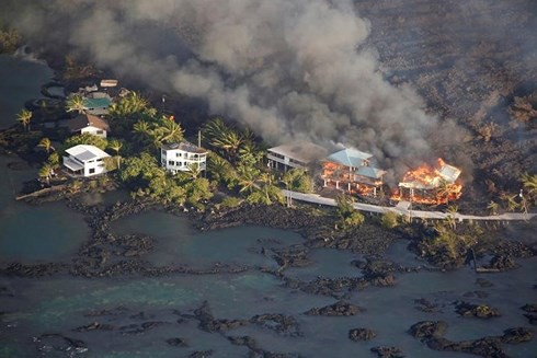 Núi lửa Kilauea phun trào phá hủy 600 ngôi nhà ở Hawaii (Mỹ) - Ảnh 1.