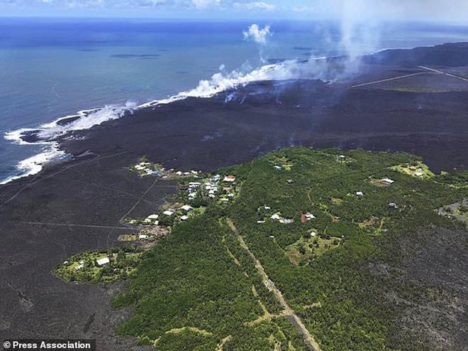 Núi lửa Kilauea đã giúp Hawaii mọc thêm hàng km đất mới mà vẫn chưa có dấu hiệu dừng lại - Ảnh 7.