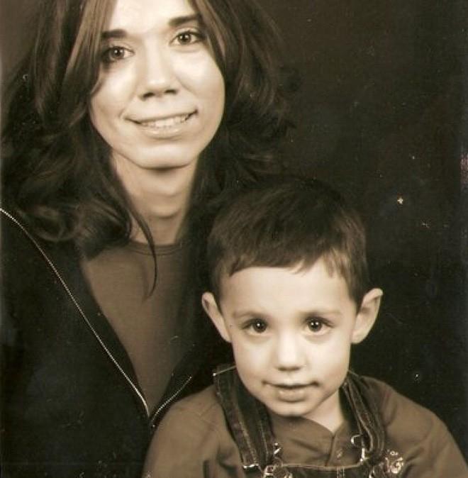Hai mẹ con bỗng mất tích không dấu vết, 2 năm sau cảnh sát không tin nổi điều họ phát hiện bên trong bức tường tại nhà của người bà  - Ảnh 3.