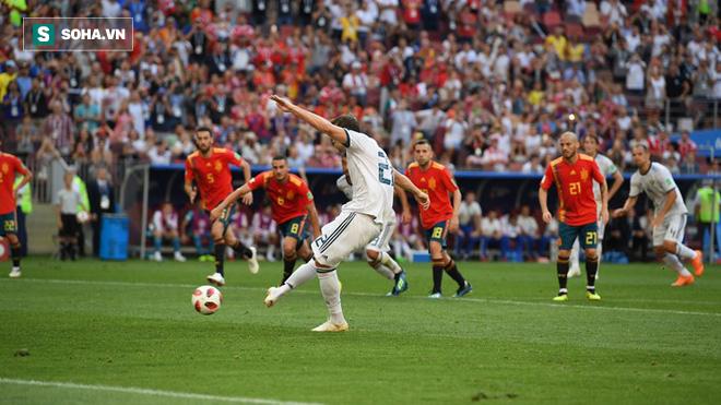 Real Madrid làm, Barca phá, Man United không cứu nổi TBN trên chấm luân lưu định mệnh - Ảnh 2.