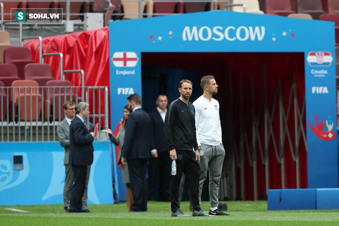 HLV ĐT Anh: Có những câu chuyện dối trá về nước Nga - Ảnh 1.