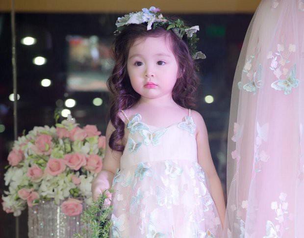Những nhóc tì nhà sao Việt được bố mẹ đầu tư hàng hiệu ngay từ bé - Ảnh 1.