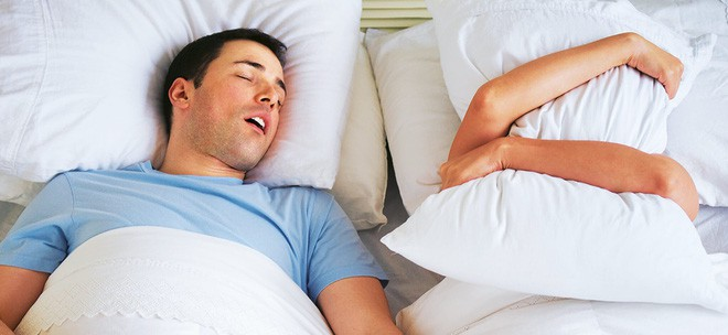 Phát hiện tác hại không tưởng từ việc ngủ ngáy - nó thực sự nguy hiểm! - Ảnh 2.