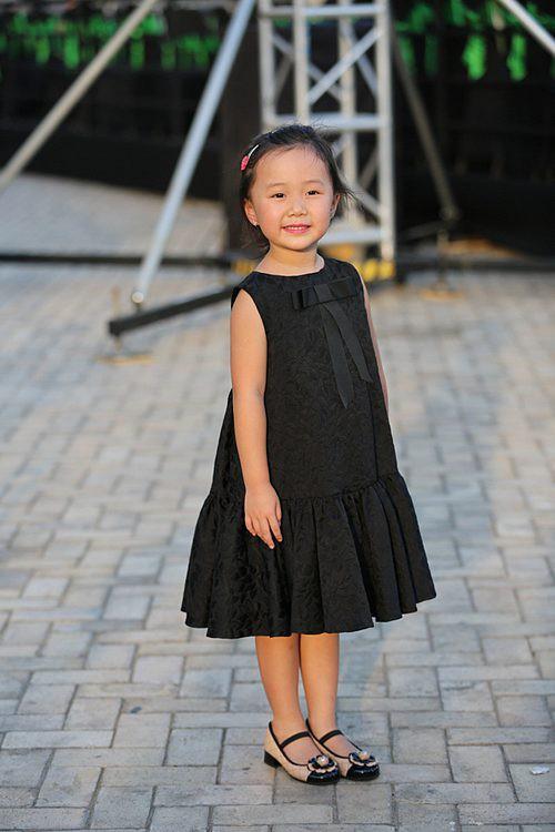 Những nhóc tì nhà sao Việt được bố mẹ đầu tư hàng hiệu ngay từ bé - Ảnh 15.