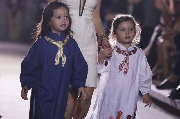 Những nhóc tì nhà sao Việt được bố mẹ đầu tư hàng hiệu ngay từ bé - Ảnh 18.