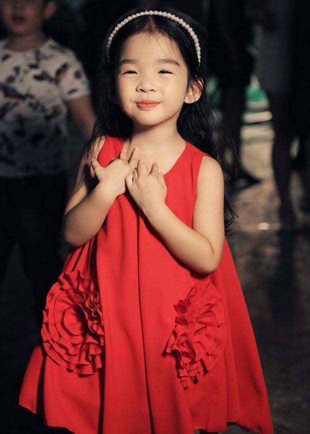 Những nhóc tì nhà sao Việt được bố mẹ đầu tư hàng hiệu ngay từ bé - Ảnh 9.