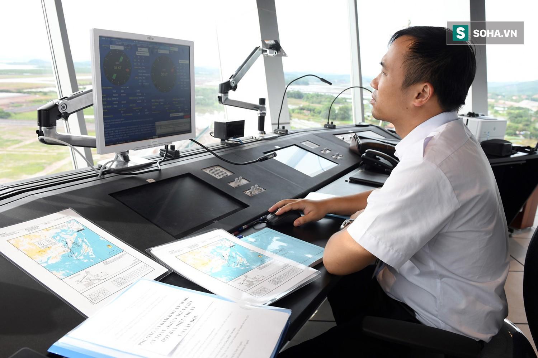 10h sáng nay, chiếc máy bay đầu tiên hạ cánh xuống sân bay Vân Đồn - Ảnh 15.